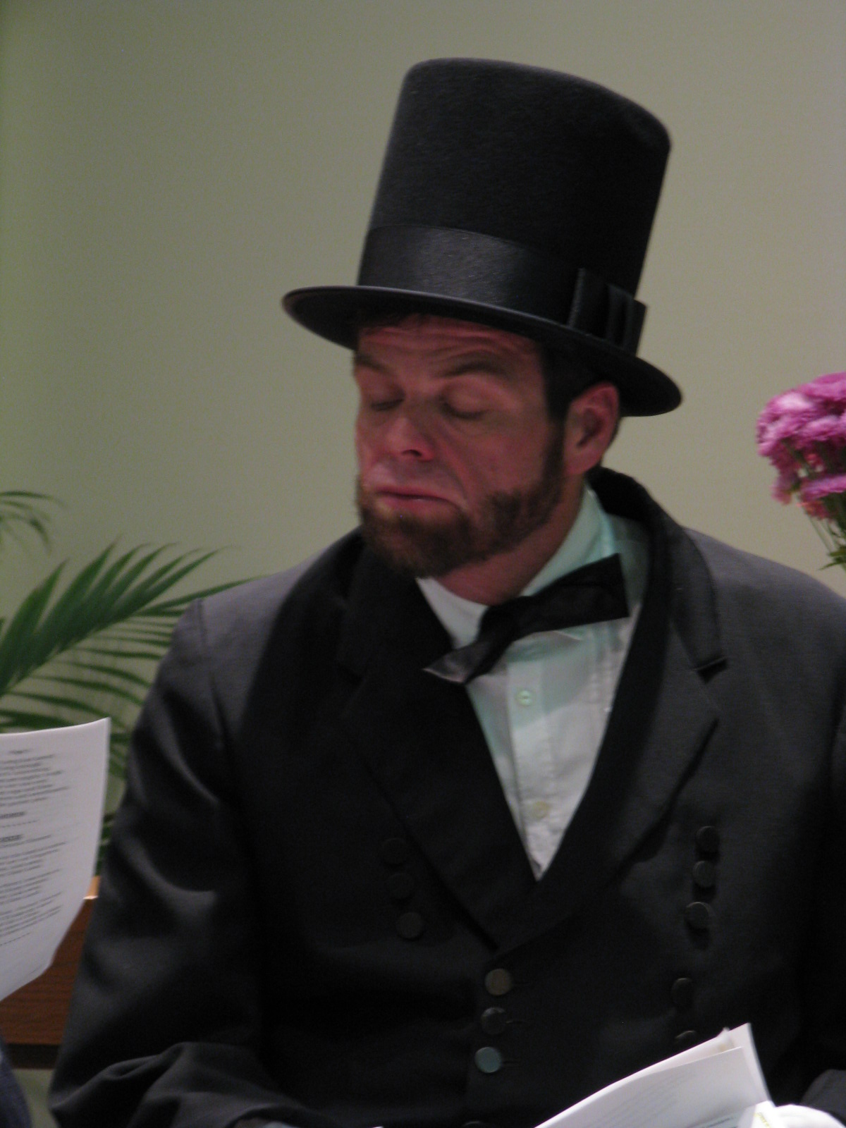 President Lincoln recites the Gettysburg Address